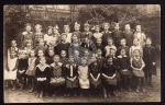 42 Kinder Kinderheim Schule ??? ca. 1920