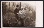 All Heil Fahrrad Fotokarte Mann Kind ca. 1920